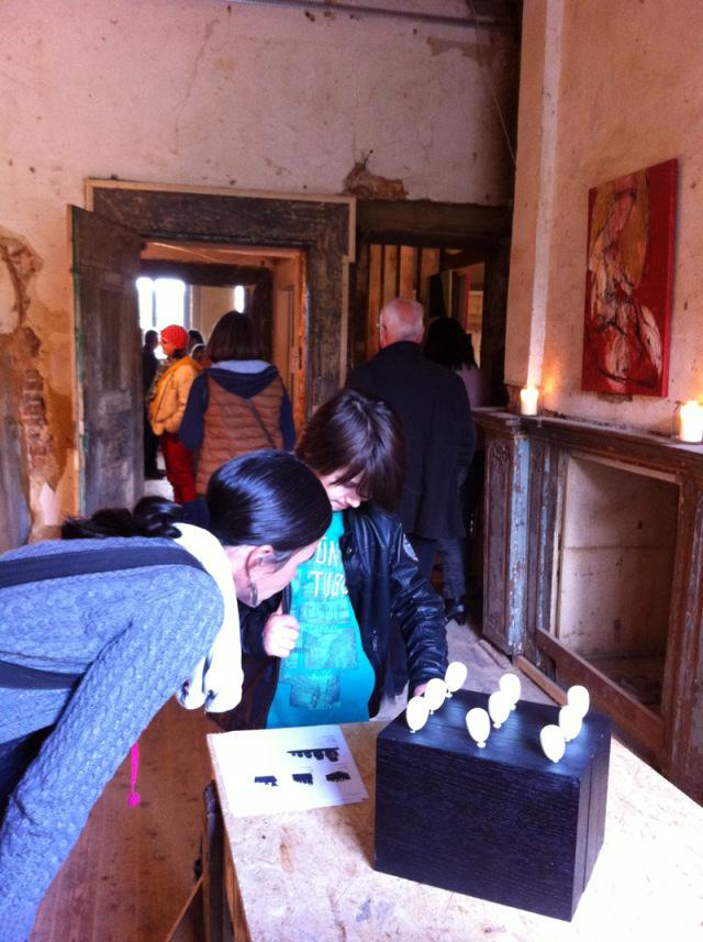 Schloss Liedberg 2013. Ausstellung SO! Objektkunst von Oxana Mahnac