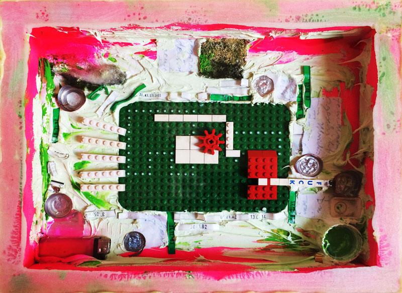 """Rauchverbot, Installation im Kasten, Kunstprojekt """"Lego-Things"""", Oxana Mahnac, Kommissar Hjuler, 2012"""