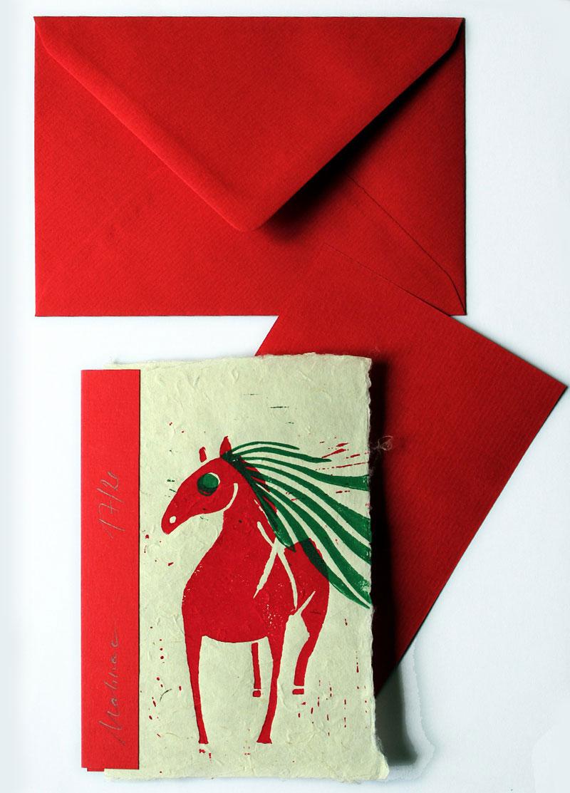 Pferd (rot), Postkarte, Linolschnitt, handgeschöpftes Papier, Auflage 20, Oxana Mahnac, 2015